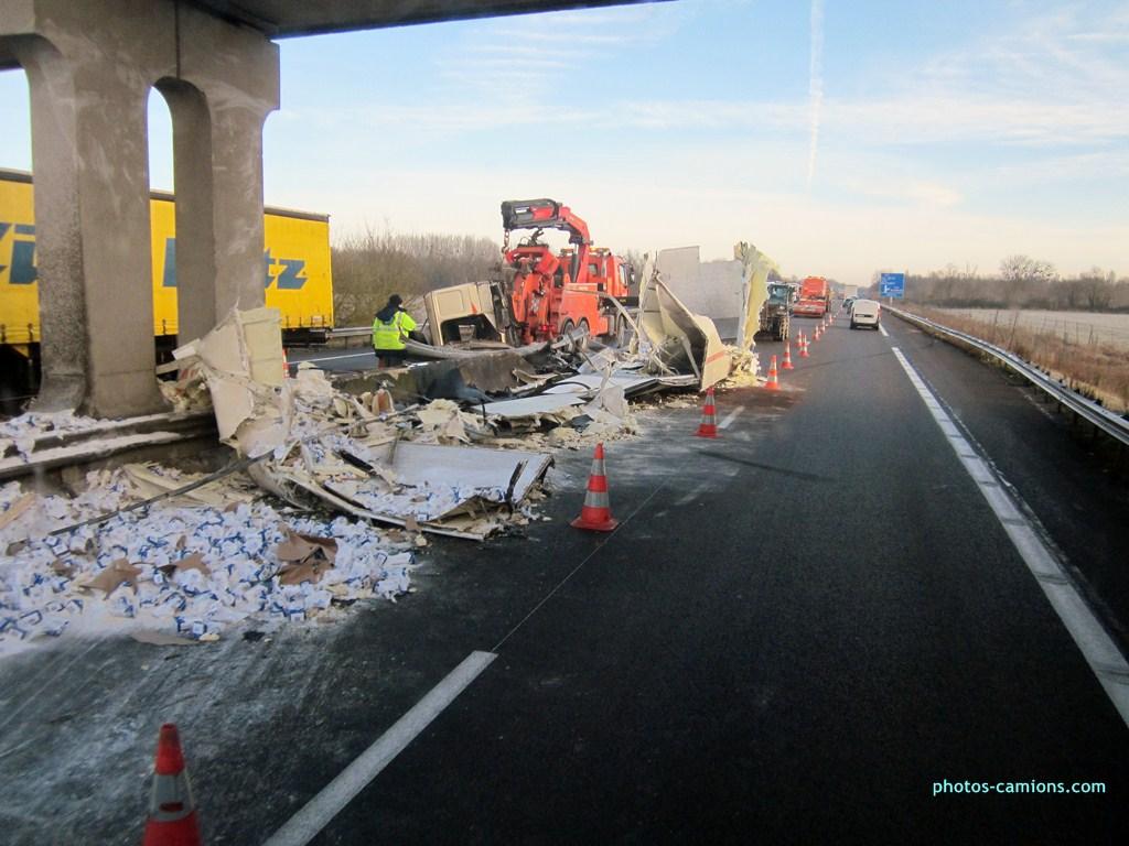 Accident sur l'A31 vers Dijon 696420photoscamions25I201381Copier