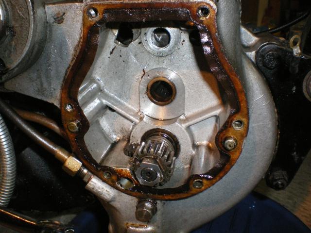 Débris dans dans pompe à huile C11 698426IMGP1384