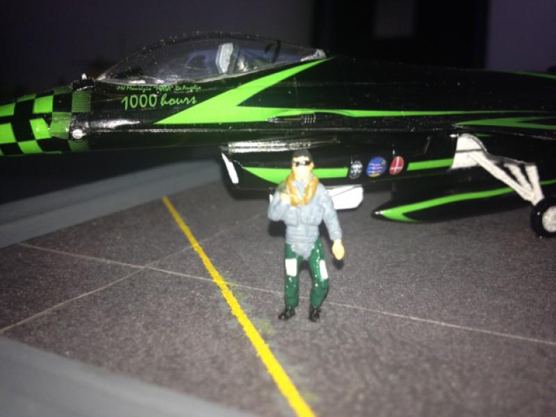 F16 sur piste 702843image18