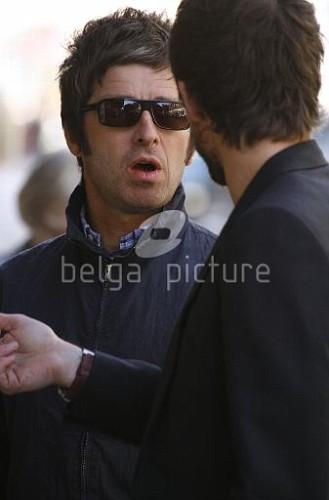 Jason et Noel Gallagher à Londres 25.09.2009 70435815546713_vi