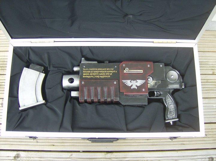 L'Armurerie W40K :  armes pour les grands enfants ! 704461bolter4