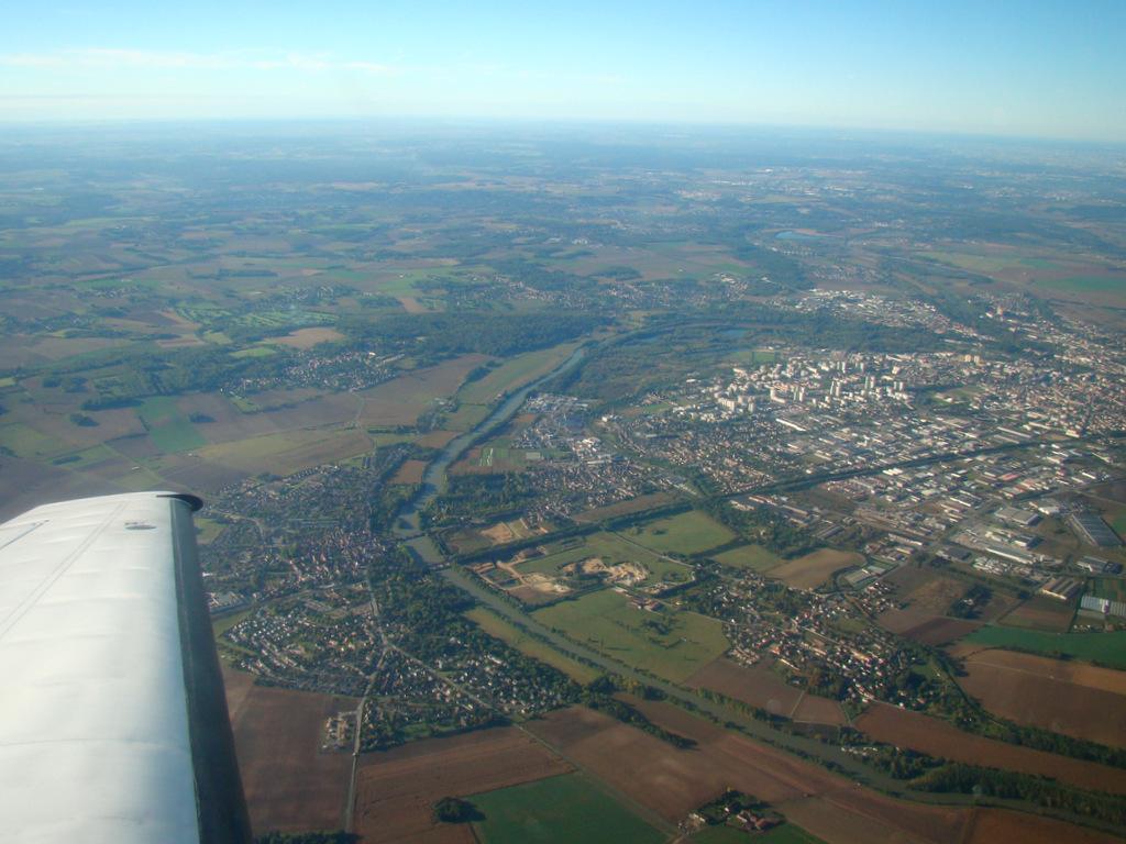 Vol en Cessna 550 CitationII , Cannes-Le Bourget 711711DSC03413