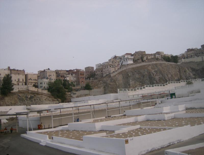 مكة المكرمة : مقبرة الحجون حيث قبر أم المومنين خديجة رضي الله عنها 711795HPIM1966