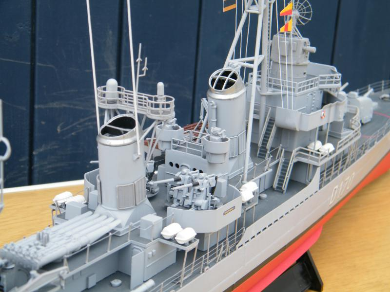 Destroyer Fletcher-Class au 1/144 71714220110723bartjeanjvido0212