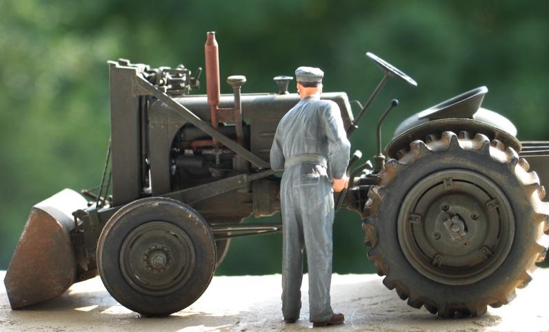 Tracteur CASE VAI avec chargeur 1943  Thunder Model 1/35 717791IMG0092
