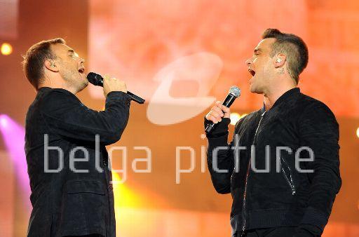 Robbie et Gary au concert Heroes 12-09/2010 71841422295362
