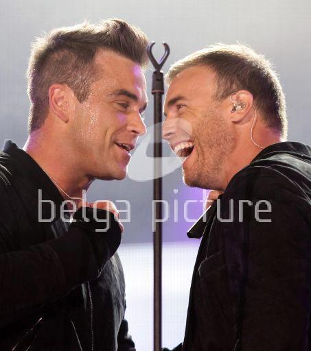 Robbie et Gary au concert Heroes 12-09/2010 72380122293585