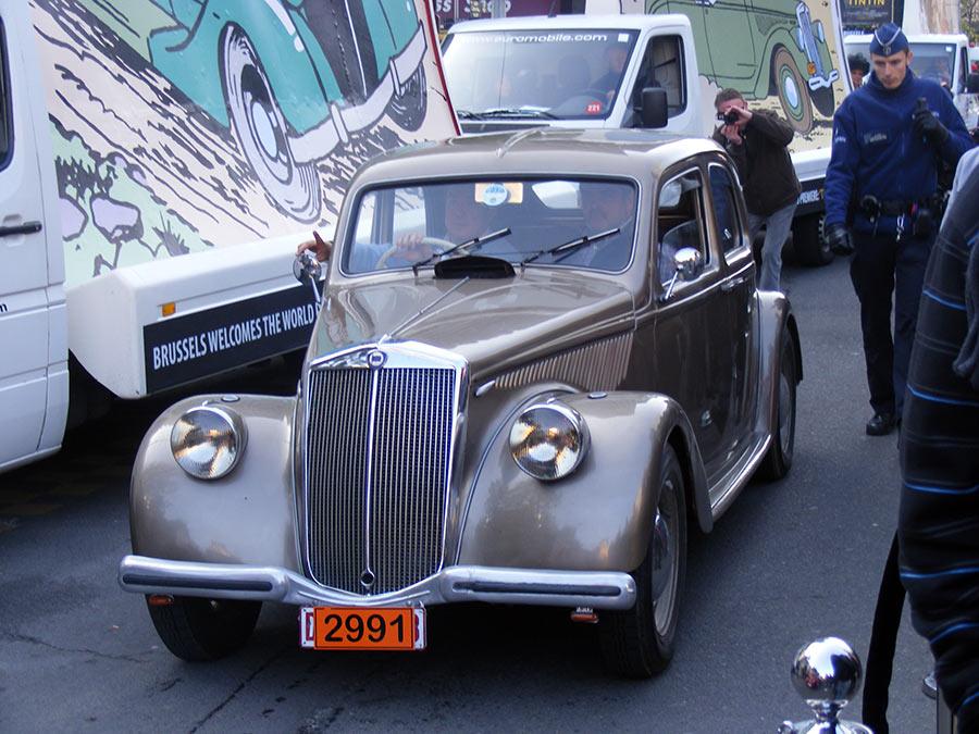 """Bruxelles côté BD  """"Tintin en automobile"""" 724950DSCF6181"""