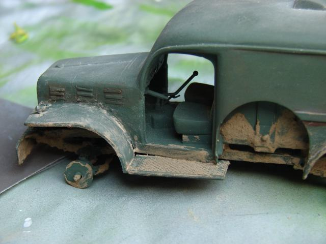 dodge cargo 1/35 Bilek fini enfin lol - Page 3 731835PHOTOS035