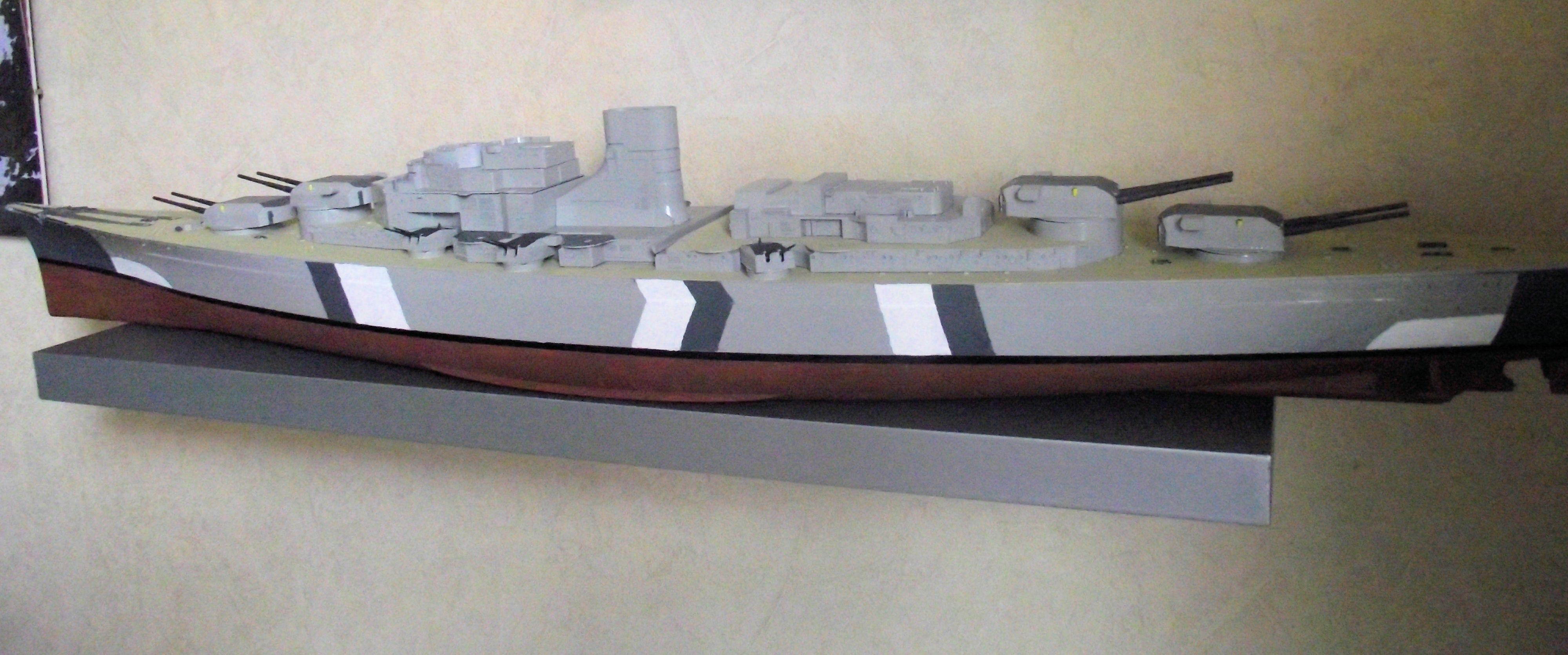 Bismarck au 1/200 Trumpetter  - Page 4 734805DSCF0788