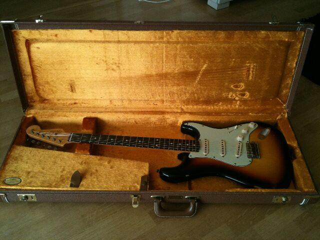 Fender Custom Shop Stratocaster 60' relic 736704Stratincase