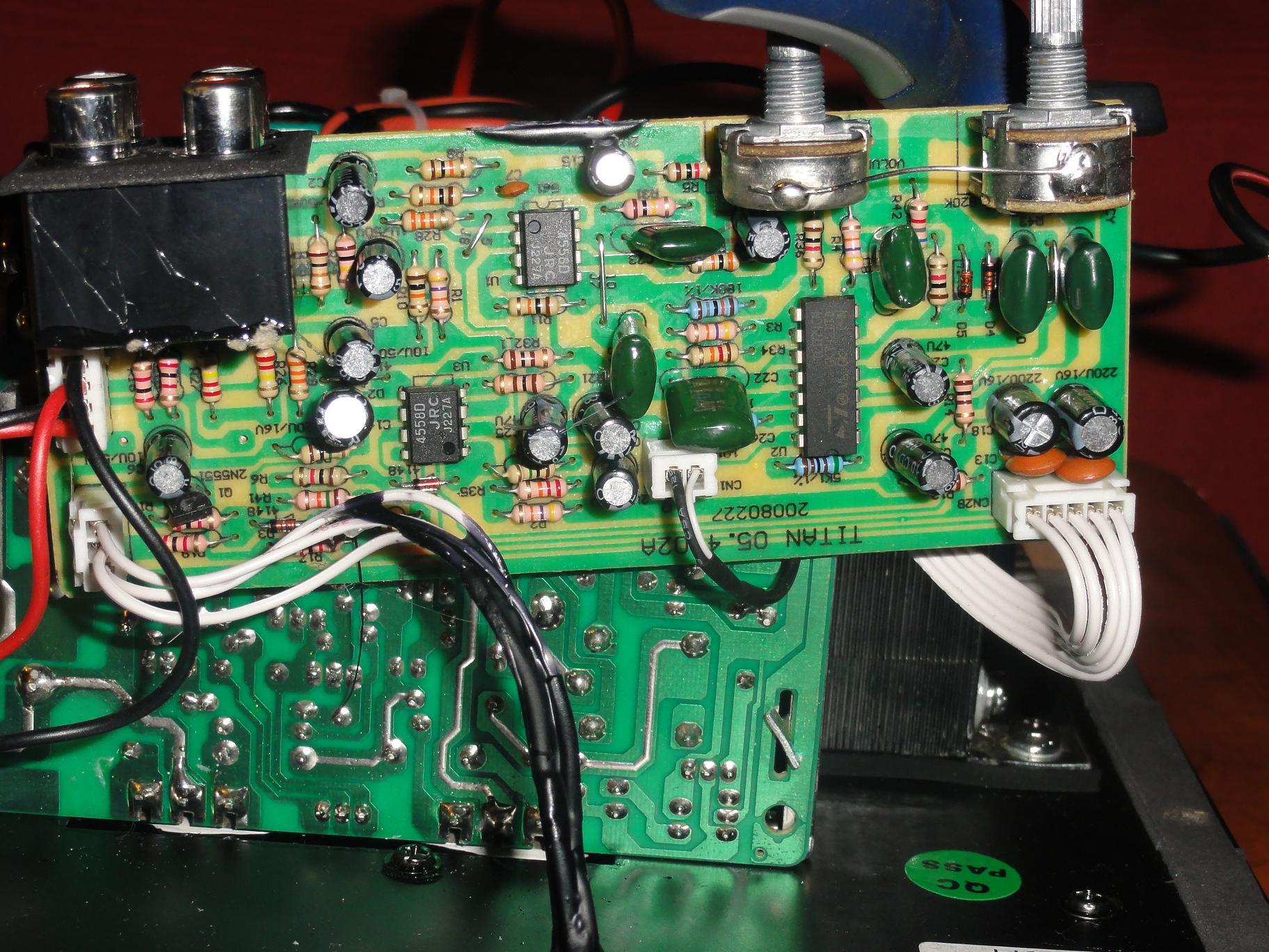 Caisson MOSCADE TITAN 5.3 qui se met en veille trop vite 739012DSC01107