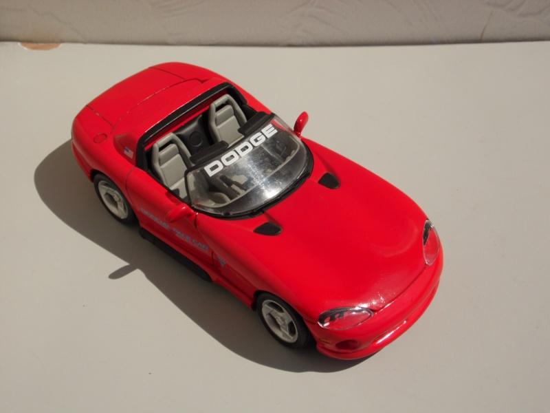 Dodge Viper RT10 et GTS. 740124SAM5016
