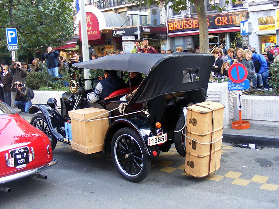 """Bruxelles côté BD  """"Tintin en automobile"""" 743154DSCF6149"""