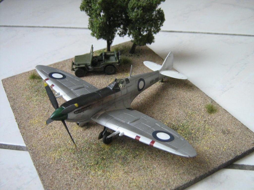 Spitfire Mk VIII RAAF [AZ Model] 743638IMG0557