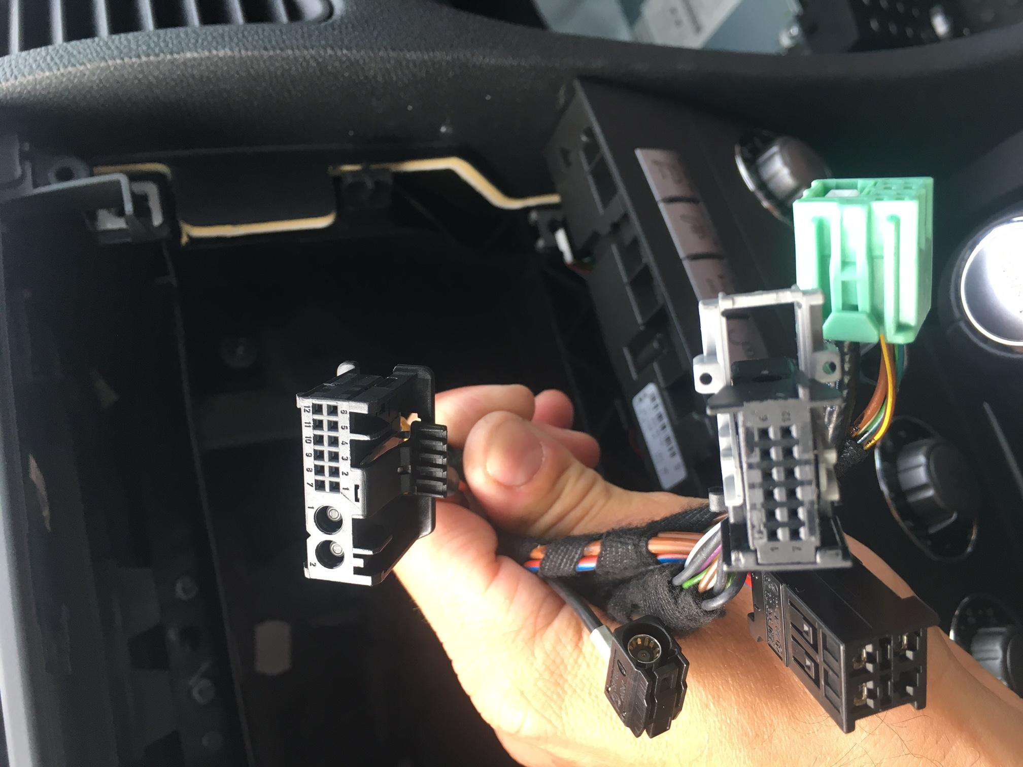 Changement d'autoradio - SLK 55 AMG import Japon 745122IMG9854