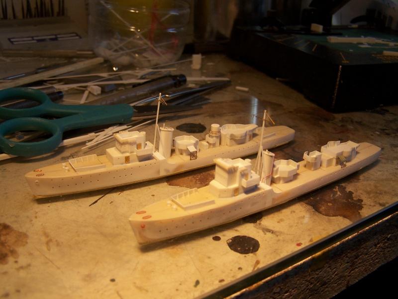 Destroyers classe Hunt type 2 et 3 - Page 2 745843Hutn2et3014