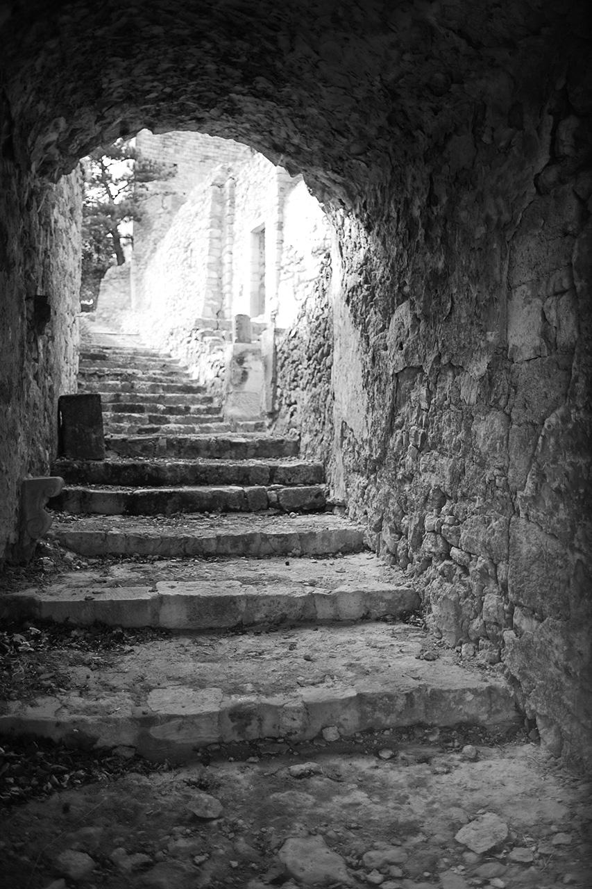Maison forte de Roussas sud Drome 746716IMGP8749nb