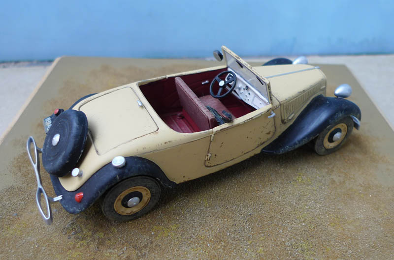 "[Matchbox] - Citroen 11 Légère ""Indiana Jones - The Last Crusade"" 758084Citroen1135"