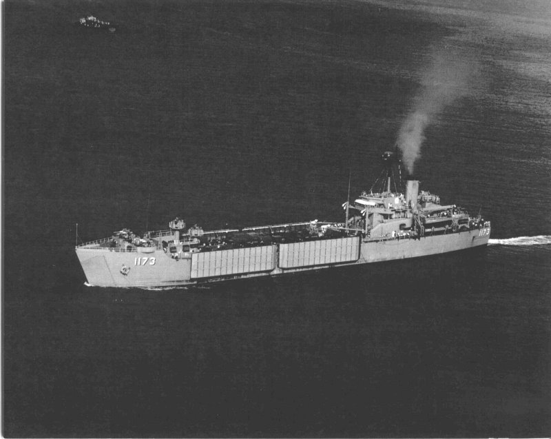 LANDING SHIP TANK (LST) CLASSE NEWPORT  758900USSSuffolkCountyLST1173