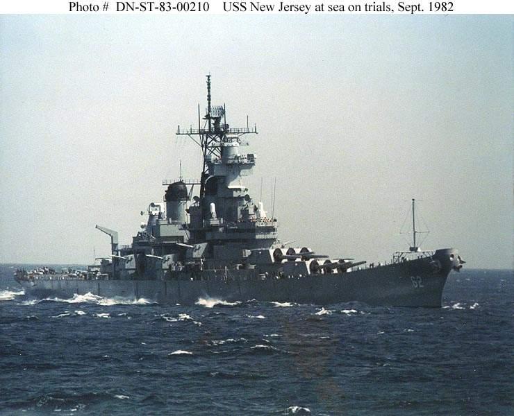 US NAVY CUIRASSES CLASSE IOWA  771630USSNewJerseyessaislamerseptembre1982