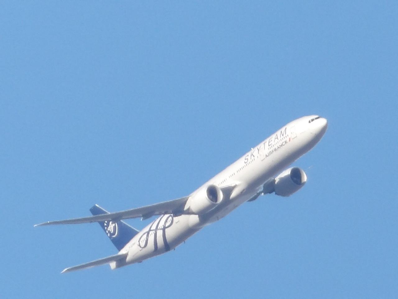 "Avion ""Spotté"" du Jardin. 773446Boeing777FGZNN"