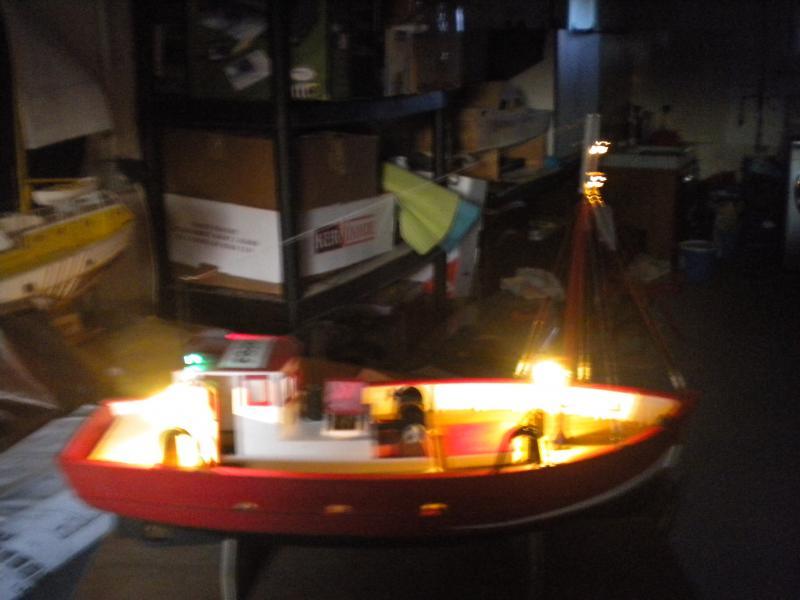 barque chalutiére au 1/20è d'après plans - Page 12 775824DSCN2974
