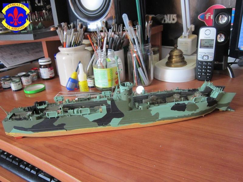 U.S. Navy Landing Ship Médium (Early) au 1/144 de Revell par Pascal 94 - Page 11 777023IMG43151