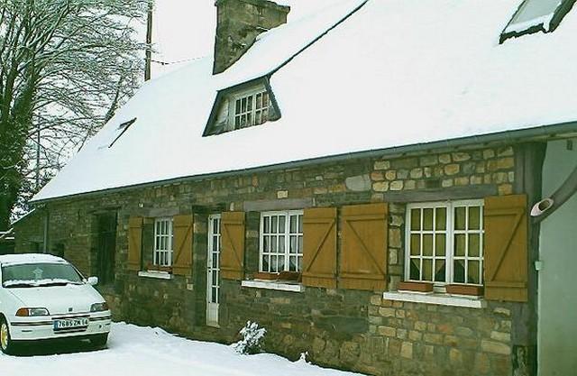 Mercredi 06 janvier 2010 - (Neige à Pont Farcy - 7 à 10 cm) 778402campeauxneige