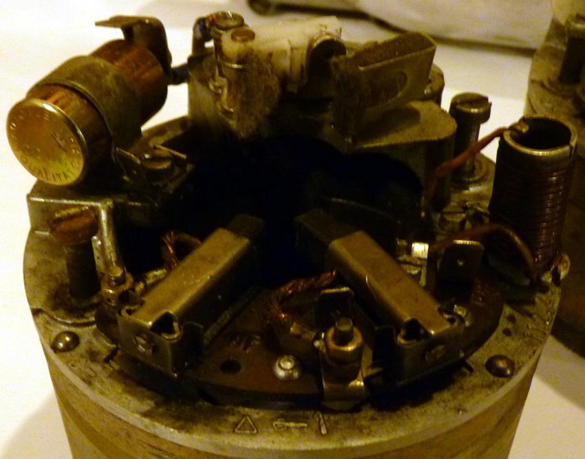 electronique - TS : fabrication d'un régulateur électronique spécifique 6v 781027P1040152