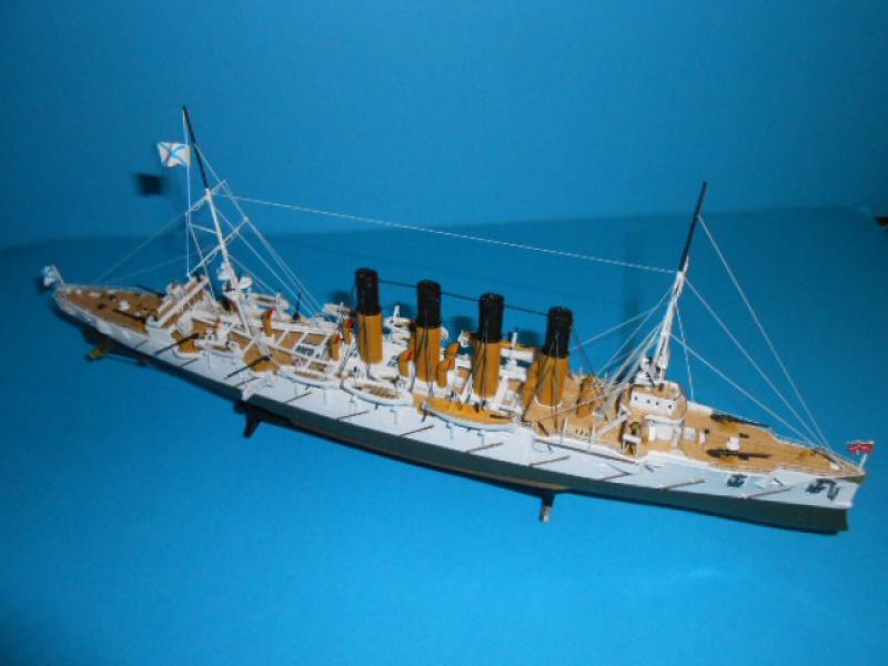 """Croiseur Russe """"VARYAG"""" 1/350 PE + Pont en bois de chez Zvezda 785223Croiseur001"""