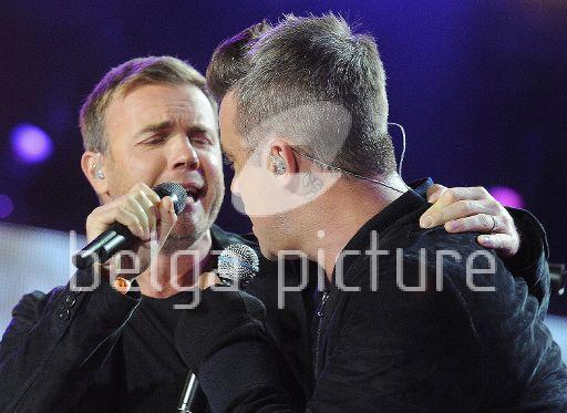 Robbie et Gary au concert Heroes 12-09/2010 78783922294249