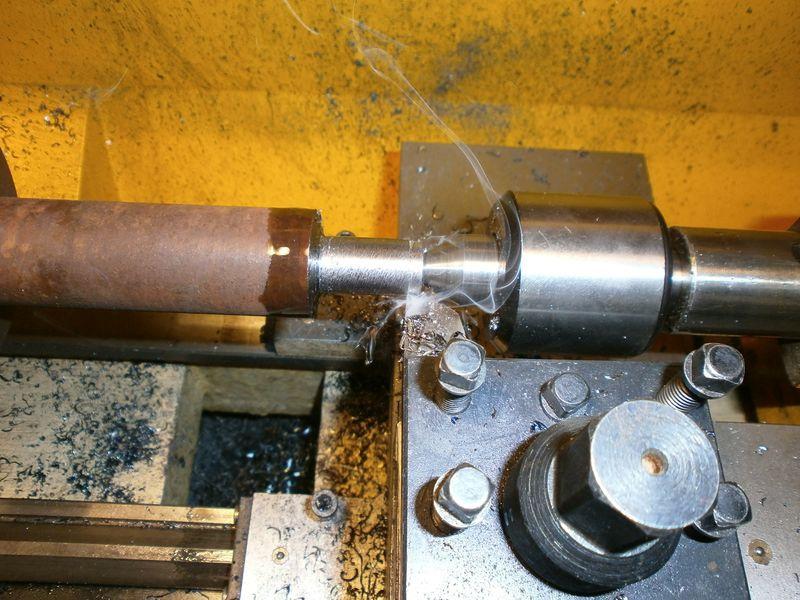 Fabrication d'un raccord pour ma pompe à lubrifiant 795015PB090012