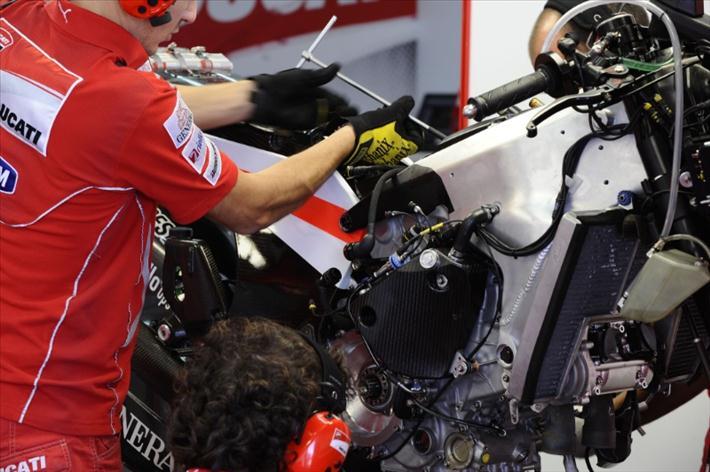 Moto GP- Saison 2012 - - Page 2 799680pa106812