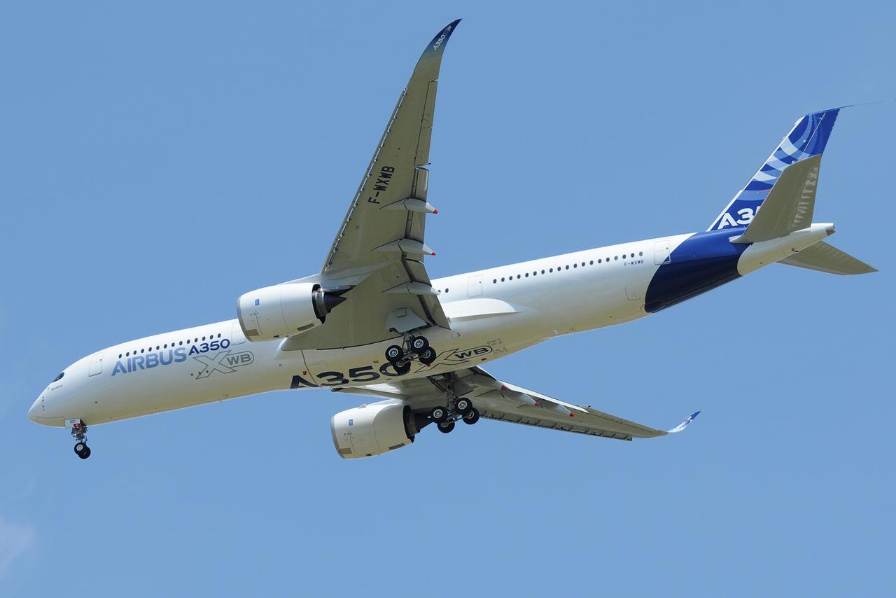 [14/06/2013] Aéroport Toulouse-Blagnac (LFBO): 1er Vol de l'Airbus A350 XWB !!! 801722DSC7574