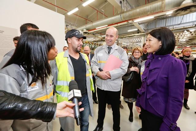L'entreprise à l'œuvre : l'usine de Flins expose « les constructeurs » de Fernand Léger 8029226317416