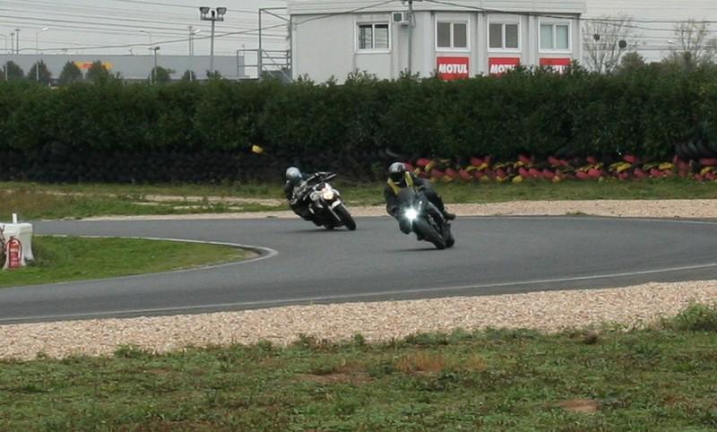position sur la moto 8039658603