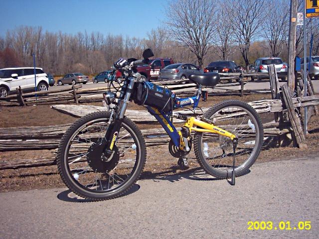 HOOLIGAN..Pas un (( GRAND )) vélo.....MAIS !!! - Page 6 80561750Z