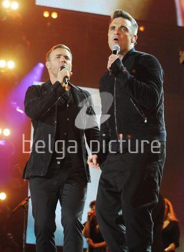 Robbie et Gary au concert Heroes 12-09/2010 80589422294044