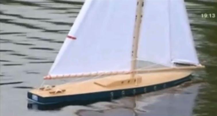 réalisation d'un voilier radio-commandé sur la base d'un voilier de bassin 811100tirotnavigation