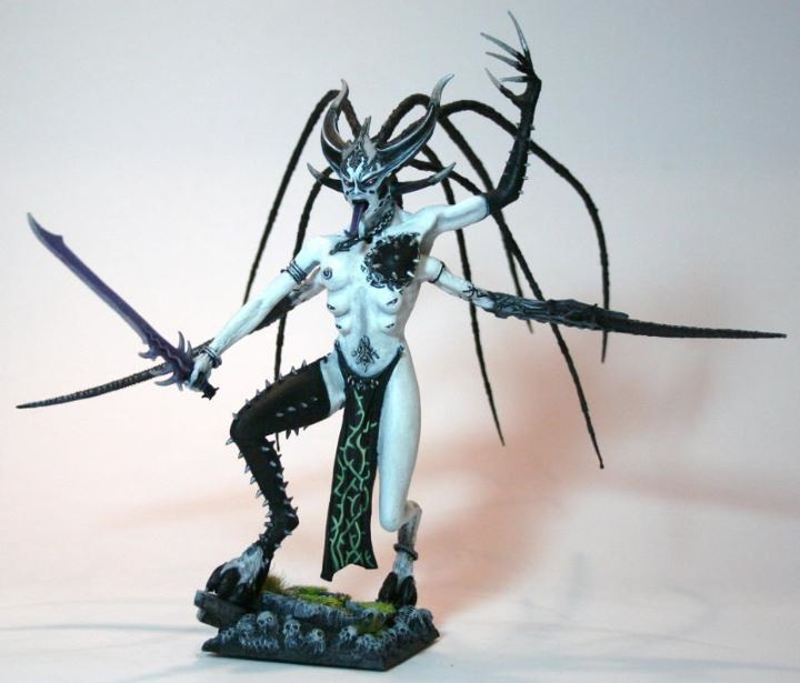 Warhammer 40K (figurines diverses trouvées sur internet! ) - Page 6 815439slaneshi5