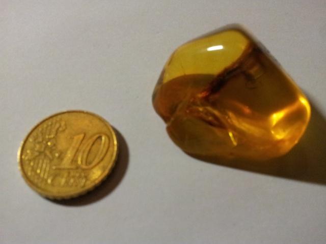 [Partage] Ma petite collection de cristaux. 817224Ambre01