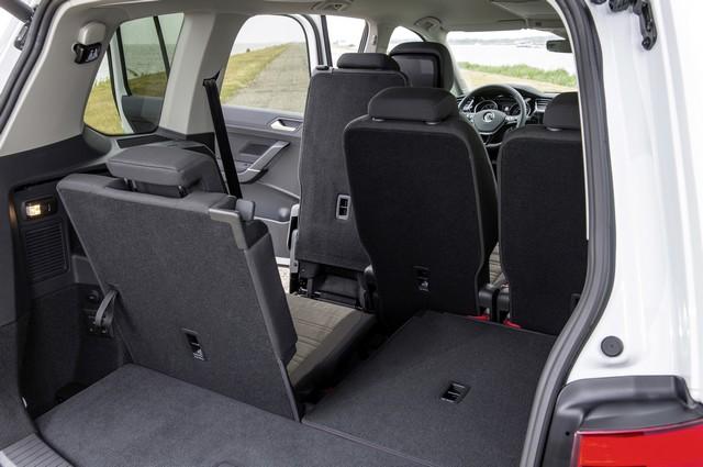 Le nouveau Touran obtient la note maximale de 5 étoiles Euro NCAP 820721thddb2015au01109large