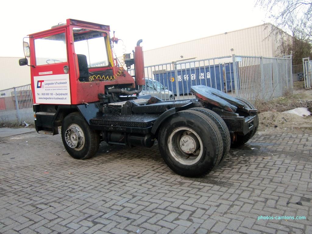 Les camions de manutention Terberg et Mol. - Page 2 821043photoscamions14III2013315