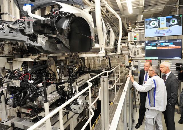 Visite de Stephan Weil, Premier Ministre, à l'usine Volkswagen de Wolfsburg  832981thddb2015al03828large