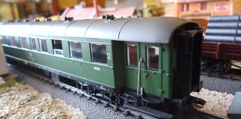 Roco ho: voitures de la DB pour train express 833645DSC03559