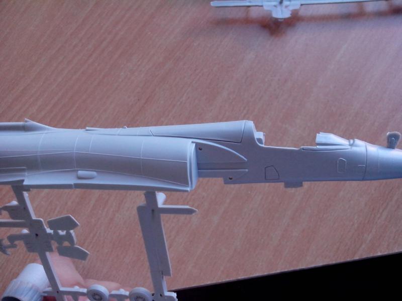 [Heller] Mirage 2000C 834034IMG20130805183309