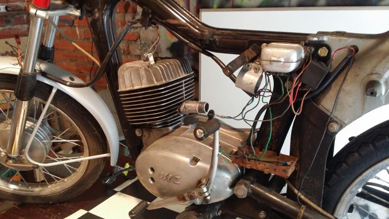 Remplissage huile moteur 125 ts 83419920160803153511