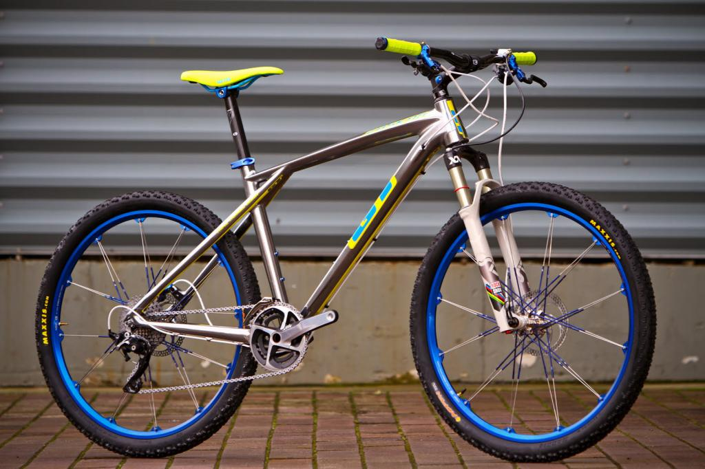 GT cycles 835836_1_of_2_