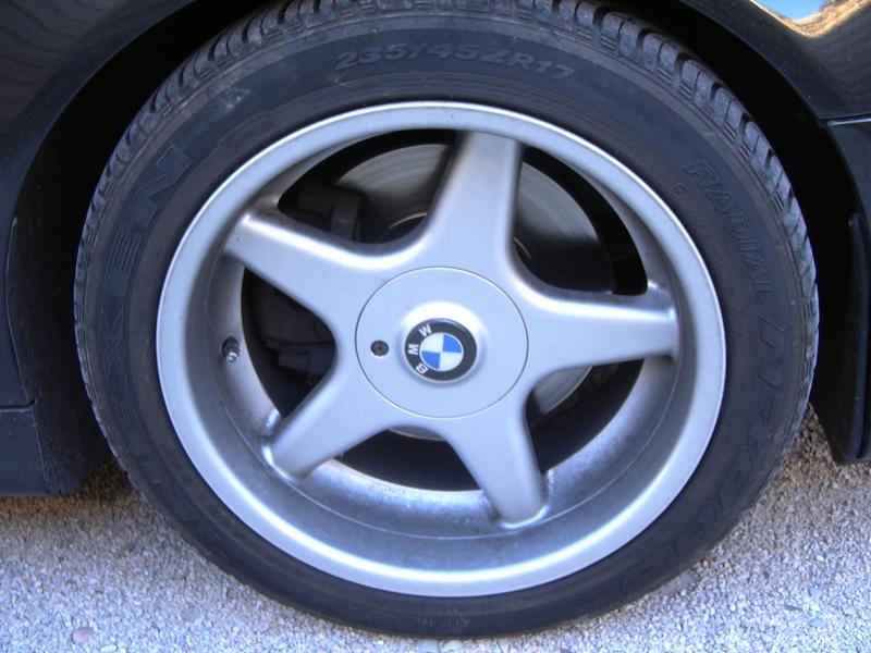 [BMW 530 d E39] Renaissance d'un Cosmos Schwarz Metallic 839653P1000343